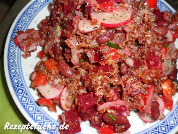 Roter Reissalat mit scharfem Dressing