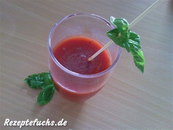 Young Bloody Mary - scharfer Tomatensaft ohne Alkohol